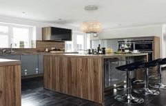 Glossy Finish Modular Kitchen by Raaghavi Associates