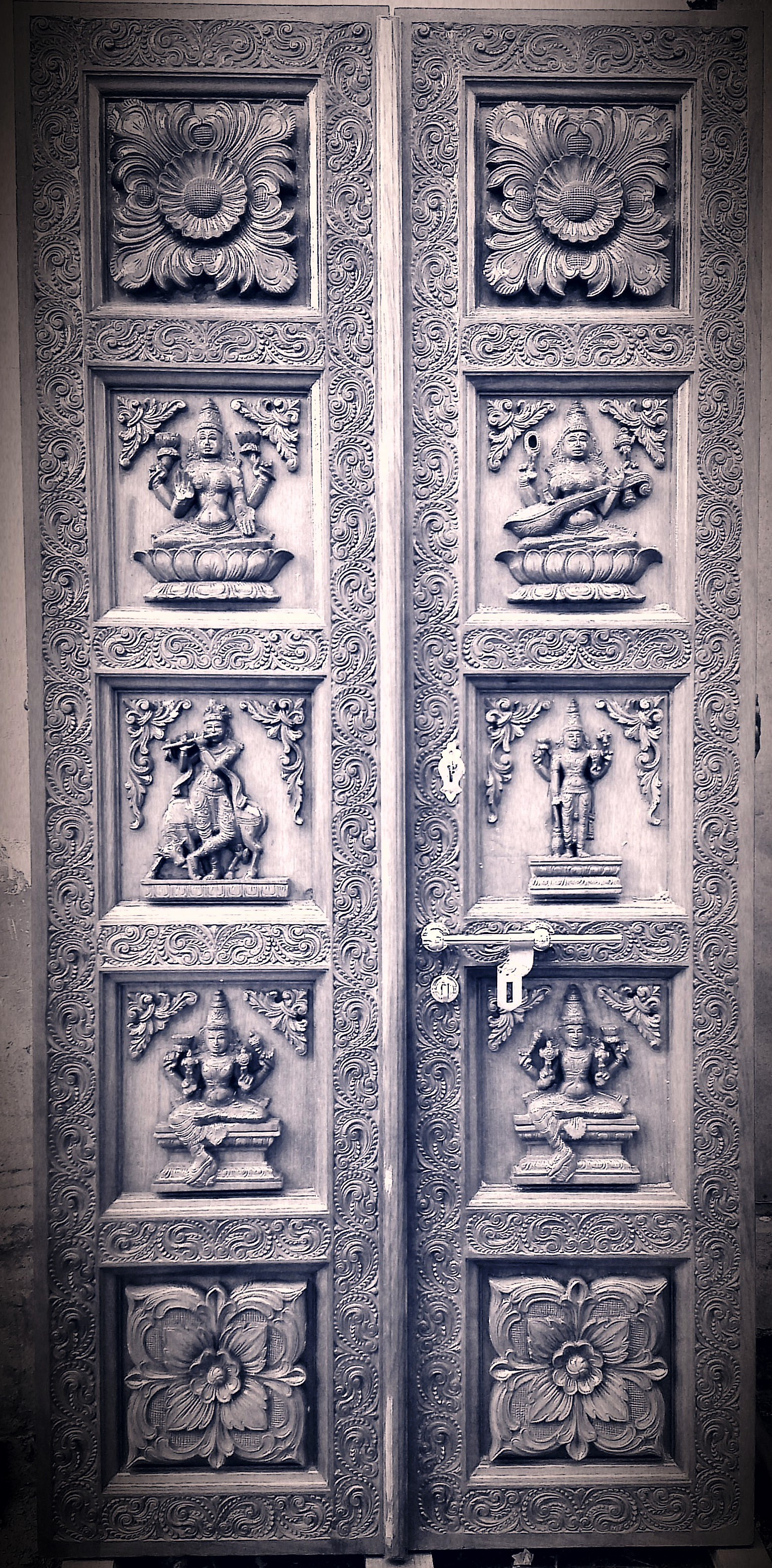 Temple Carved Special Doors   by Kanakkadara Divine Services