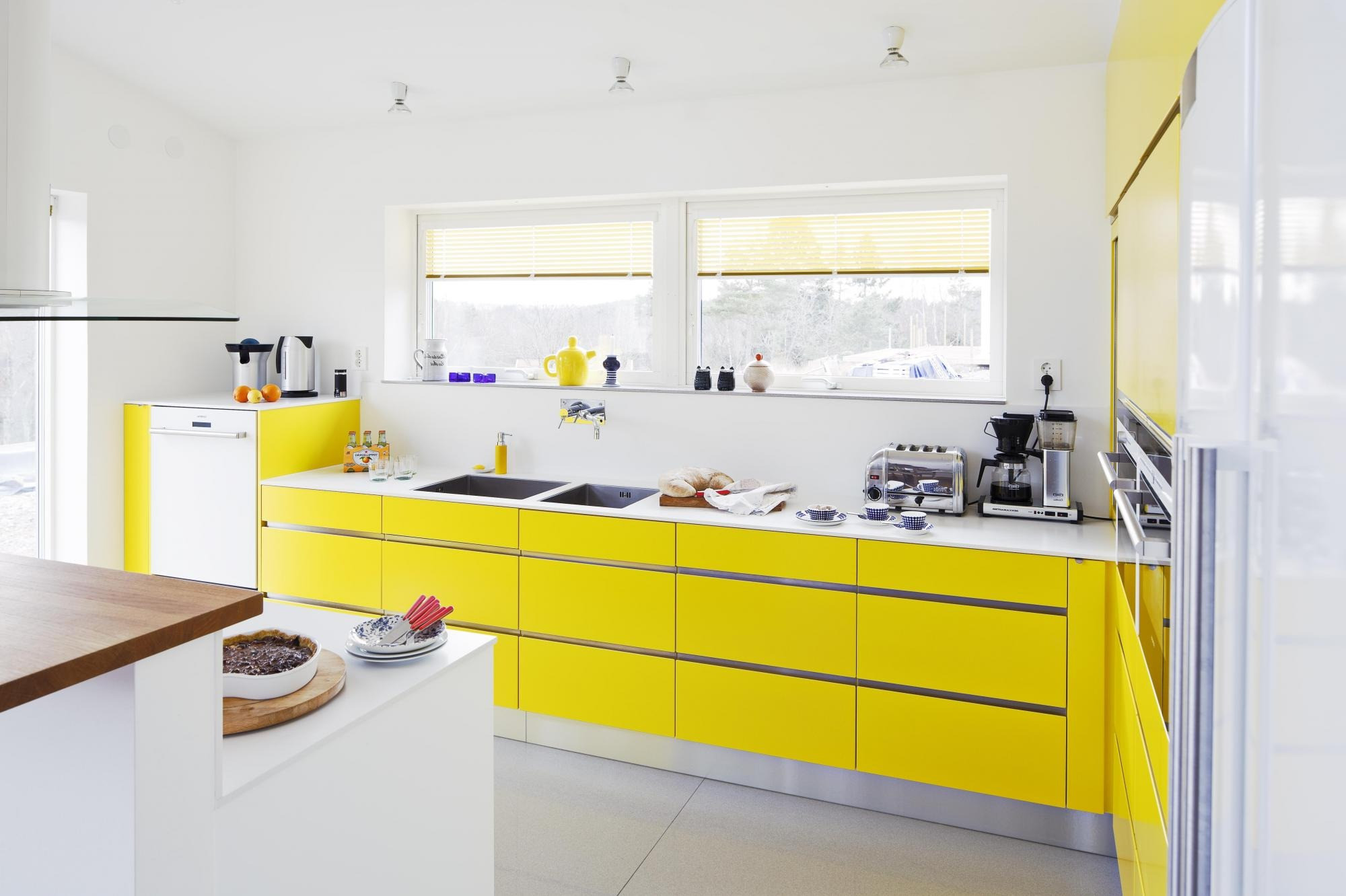 Modern Modular Kitchen by Lulu Kitchen World