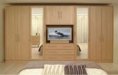 Fancy Bedroom Wardrobe by Rethin Interior Decorator