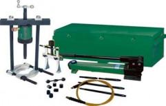 Hydraulic Puller Set Crossing Bearing Puller Set by Chintan Sales