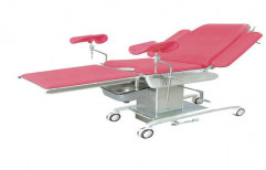 Delivery Couch by Surgical Hub