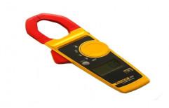 Digital Clamp Meter by SKM Instruments