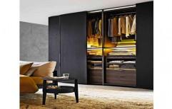 Wooden Modular Wardrobe by Hemant Interiors (A Unit Of Hemant UPVC Doors & Windows)