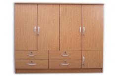 Bedroom Wooden Wardrobe by Raaghavi Associates