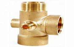 R5V Five Ways Brass Connectors by Ishika Sales
