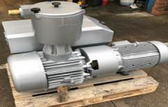 Vacuum Pump by Dynoura Industries