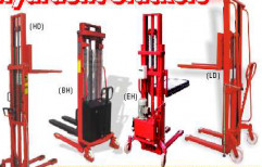 Hydraulic Stackers by Akshat Enterprise
