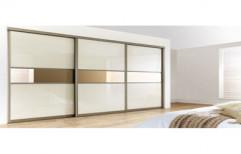Modern Bedroom Wardrobe by Four Corner's Interiors