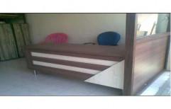 Office Table by Shubham Furniture & Aluminium