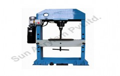 Press Cutting Machines by Sun Acrylam Private Limited