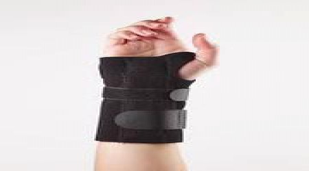 Wrist Splint by Benaka Scientifics