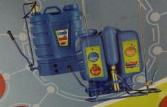 Piston Agriculture Sprayer, Capacity: 16 liters