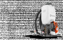 Petrol Knapsack Husqvarna 321s15 Power Sprayer for Agriculture, Capacity: 15 Liters