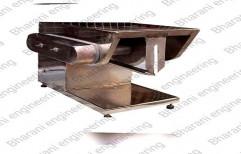 Bharani Engineering Stainless Steel Semi-Automatic Chicken Cutting Machine