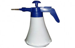 White And Blue Plastic Hand Trigger Sprayer, for Agriculture, Capacity: 500 ml