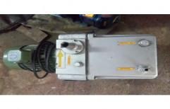 Cast Iron & Steel Rotary Vane Vacuum Pump, Voltage: 220 - 240 V
